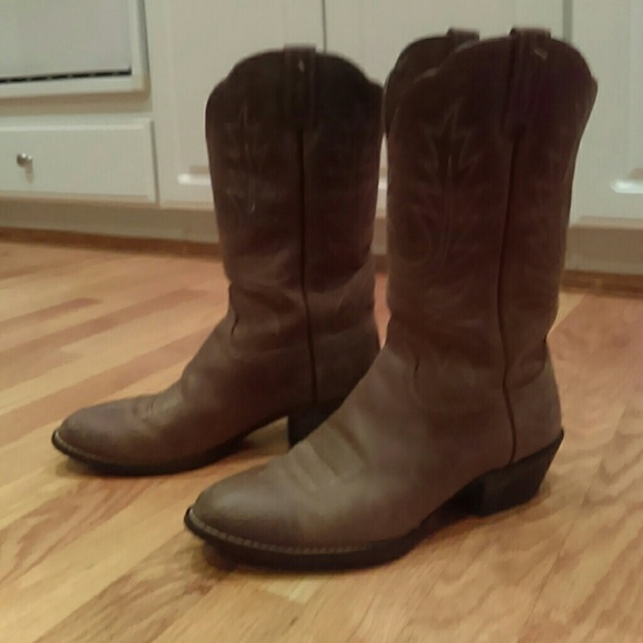 67a656976c Ariat Heritage Western R Toe Boot - 7.5C